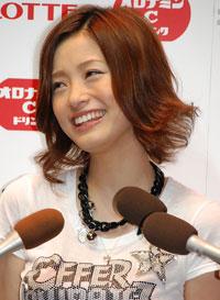上戸彩(2007年8月撮影)