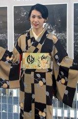 艶やかな着物姿の小島可奈子