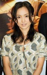 松山ケンイチに告白されるも、年上の余裕で対応した永作の笑顔【07年10月撮影】