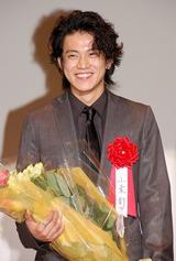 「エランドール賞」の新人賞を受賞した小栗旬