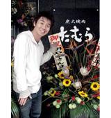 お店の秘書を務める元ビッキーズの木部信彦さん(2007年11月撮影)