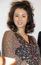 映画『泪壺』の初日舞台挨拶に登壇した小島可奈子
