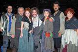 ミュージカル『ベガーズ・オペラ』の舞台稽古前に会見の模様