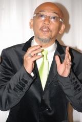 五木ひろしの紫綬褒章受賞&還暦を祝う会に出席した松山千春