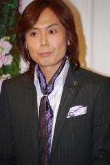 五木ひろしの紫綬褒章受賞&還暦を祝う会に出席したつんく♂