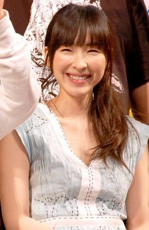 麻生久美子の私服画像