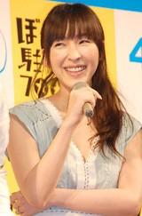 映画『ぼくたちと駐在さんの700日戦争』の完成披露試写会に出席した麻生久美子