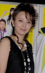 舞台『空中ブランコ』の製作発表に出席した高橋由美子