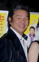 舞台『空中ブランコ』の製作発表に出席した尾藤イサオ