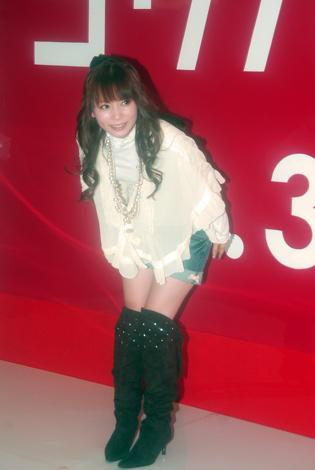 サムネイル NHK紅白のリハーサルでスレンダーなボディを披露するしょこたん[07年12月29日撮影]