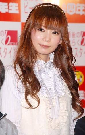 「女性部門」1位を獲得した中川翔子(08年3月4日、小学生限定新人文学賞に出席した時の様子)