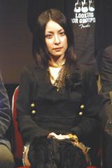 離婚の真相を激白する奥菜恵【2006年11月】