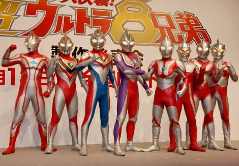 (写真左より平成のウルトラマン)メビウス、ガイア、ダイナ、ティガ、(昭和の)ウルトラマン、ウルトラセブン、ウルトラマンジャック、ウルトラマンA(エース)