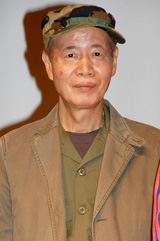 映画『神様のパズル』の会見に出席した角川春樹氏
