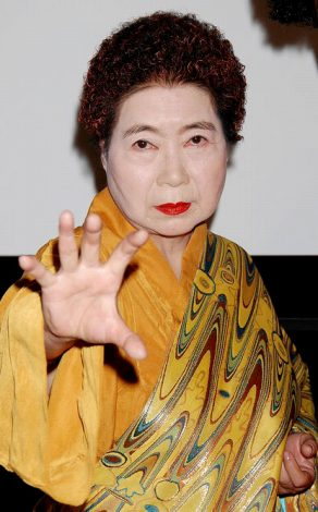 """""""キスおばちゃん""""こと浅見千代子"""