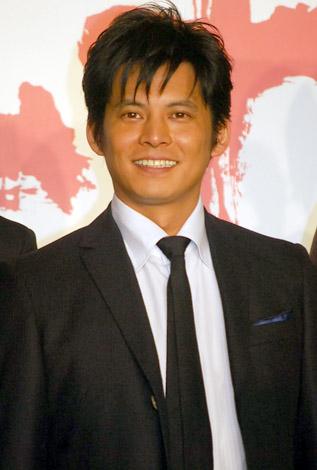 1位に輝いた、織田裕二(07年11月22日、撮影)