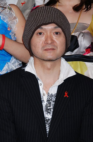 『RED RIBBON TALK & LIVE〜HIV検査に行こう!〜』の会見に出席した松本隆博
