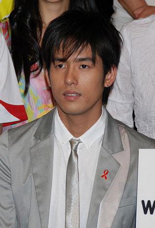 『RED RIBBON TALK & LIVE〜HIV検査に行こう!〜』の会見に出席したK