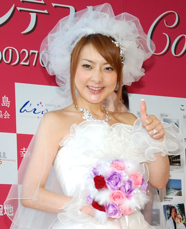 サムネイル 映画『幸せになるための27のドレス』と『第2回恋人の聖地 全国プロポーズの言葉コンテスト』の共同イベントに出席した西川史子