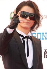 『MTV VIDEO MUSIC AWARDS JAPAN』のレッドカーペットに登場したKREVA