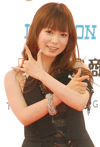 『MTV VIDEO MUSIC AWARDS JAPAN』のレッドカーペットに登場した中川翔子