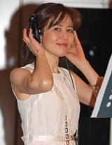 「失恋記念日」の公開レコーディングを行った石野真子