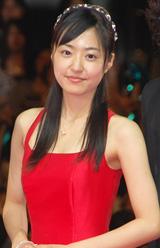 道明寺司(松本)から贈られた赤いドレスで登場した井上真央