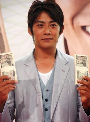 テレビ朝日系ドラマ『ロト6で3億2千万円当てた男』の制作発表会見に出席した反町隆史