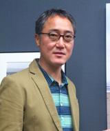初の写真展を開いた俳優・佐野史郎