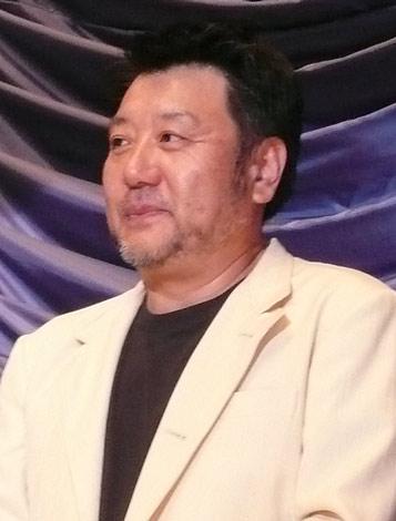 映画『クライマーズ・ハイ』初日舞台挨拶を行った原田眞人監督