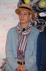映画『蛇にピアス』の完成報告会見に出席したARATA