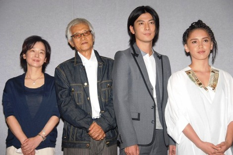NHK総合ドラマ『帽子』の会見の様子