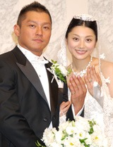 坂田亘・小池栄子夫妻が披露宴直前会見