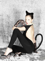 """ニューシングル「Virgin Cat」で""""小悪魔""""なセクシーキャット姿に変身した土屋アンナ"""
