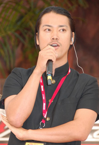 DVD『ROOKIES(ルーキーズ) 表(おもて)BOX』発売記念イベントに登場した桐谷健太