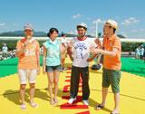 (左から)藤井隆、加藤夏希、宮根誠司アナ、東野幸治