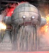 実写版『20世紀少年』の巨大ロボットがお披露目(幅8.8メートル、高さ8.5メートル)