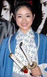 実は女だったという設定の沖田総司を演じる石原さとみ
