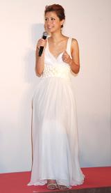 セレブ仕様のドレス姿で登場したマリエ
