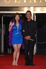 相澤仁美(左)と乱一世