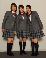 左から八木麻紗子アナ、竹内由恵アナ、本間智恵アナ