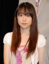 テレビアニメ『地獄少女 三鼎(みつがなえ)』の製作発表会に出席した椎名へきる