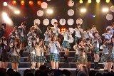 東京・日比谷野外音楽堂ではじめてライブを行ったAKB48[08年8月撮影]
