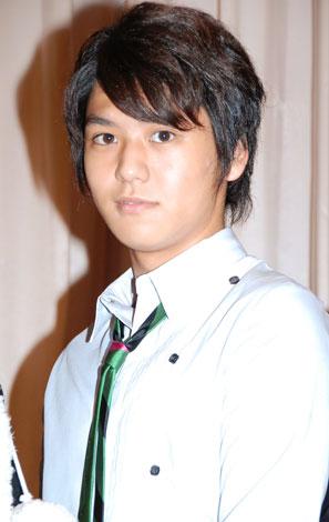 映画『ニュータイプ ただ、愛のために』の完成披露試写会に出席した佐野和真