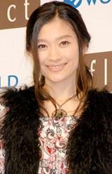 『Reflect』新CM発表会に登場した篠原涼子