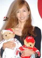 F1公認カフェのプレオープンイベントに登場した工藤静香