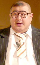 『キウイダイエット』トークショーを行った芋洗坂係長