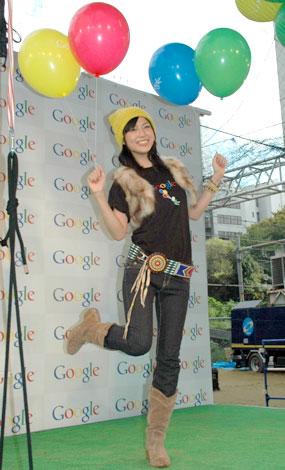 「風船で空を飛ぶとのことなので、動きやすい格好で来ました」という渋谷のカジュアルファッション