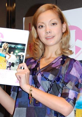 サムネイル 『LOVEフォト Vol.1 渋谷編』のプレス向け披露会にゲストとして出席した土屋アンナ
