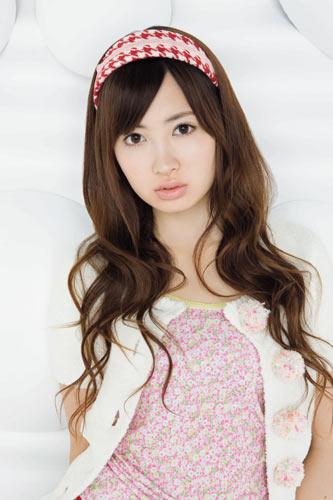 AKB48小嶋陽菜。